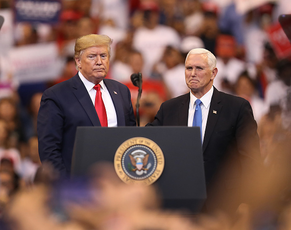 """Mike Pence「Donald Trump Holds A """"Welcome Home"""" Rally In South Florida」:写真・画像(14)[壁紙.com]"""