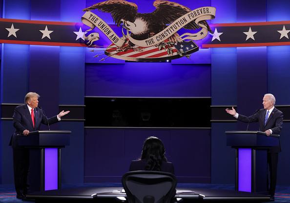 大統領選候補者討論会「Donald Trump And Joe Biden Participate In Final Debate Before Presidential Election」:写真・画像(3)[壁紙.com]