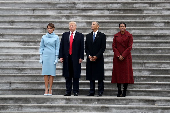 Standing「Donald Trump Is Sworn In As 45th President Of The United States」:写真・画像(6)[壁紙.com]