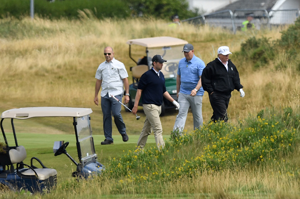 Turnberry「Scotland Protests At The Visit Of United States President Donald Trump」:写真・画像(15)[壁紙.com]