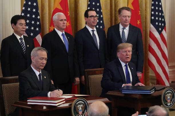 President Trump Participates In Signing Ceremony For Trade Deal With China:ニュース(壁紙.com)