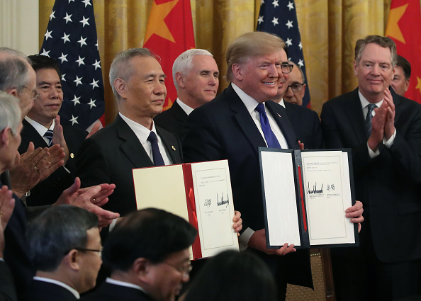 Trading「President Trump Participates In Signing Ceremony For Trade Deal With China」:写真・画像(13)[壁紙.com]