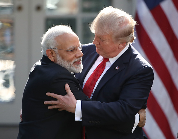 Embracing「President Trump And Indian PM Modi Hold Joint Statement At White House」:写真・画像(15)[壁紙.com]