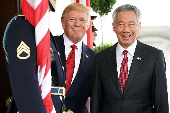政治と行政「President Trump Welcomes Singapore PM Lee Hsien Loong To White House」:写真・画像(9)[壁紙.com]