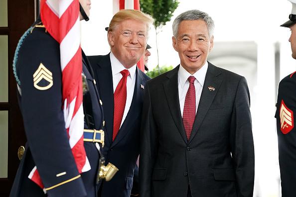 政治と行政「President Trump Welcomes Singapore PM Lee Hsien Loong To White House」:写真・画像(10)[壁紙.com]