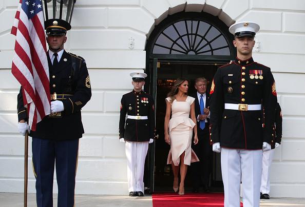 歩く「President Trump And First Lady Melania Welcome President Moon Of South Korea To White House」:写真・画像(7)[壁紙.com]