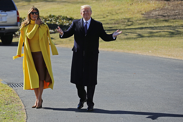 全身「President And Melania Trump Depart White House For Cincinnati」:写真・画像(14)[壁紙.com]