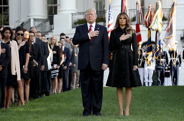 全身「President Trump And Melania Trump Lead Moment Of Silence For 9/11 Victims」:写真・画像(3)[壁紙.com]