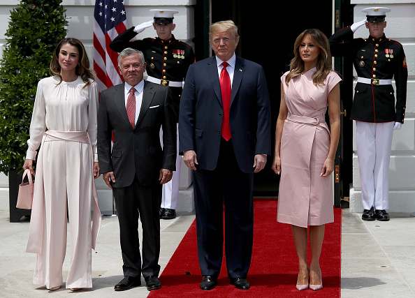 Full Length「President Trump Welcomes King Abdullah And Queen Rania Of Jordan To White House」:写真・画像(8)[壁紙.com]