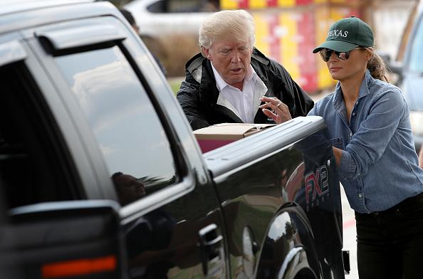 Visit「President Trump Visits Hurricane Harvey Flood Victims in Gulf Coast」:写真・画像(12)[壁紙.com]