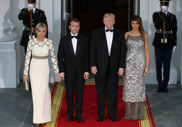 Standing「President Trump And First Lady Hosts State Dinner For French President Macron And Mrs. Macron」:写真・画像(18)[壁紙.com]