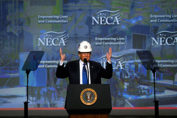 President Trump Addresses National Electrical Contractors Convention:ニュース(壁紙.com)