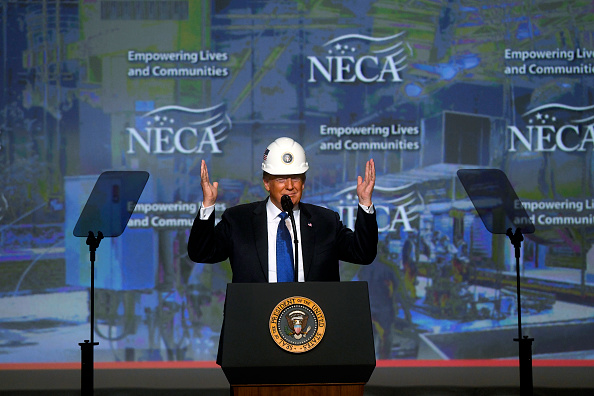 Philadelphia - Pennsylvania「President Trump Addresses National Electrical Contractors Convention」:写真・画像(12)[壁紙.com]