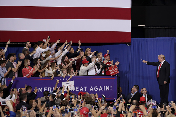 Midterm Election「President Trump Holds Rally In Nashville, Tennessee」:写真・画像(7)[壁紙.com]