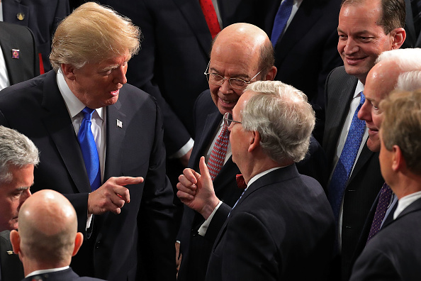 Wilbur Ross「President Trump Addresses The Nation In His First State Of The Union Address To Joint Session Of  Congress」:写真・画像(11)[壁紙.com]