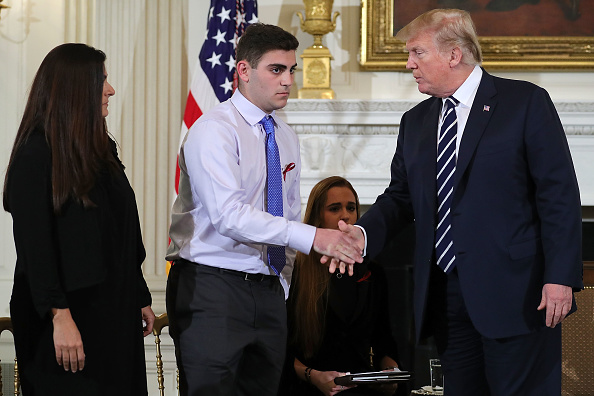 Florida - US State「Trump Holds Listening Session With Students And Teachers On Mass Shootings」:写真・画像(2)[壁紙.com]