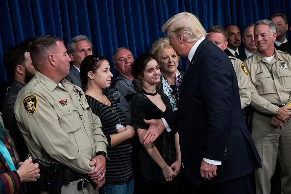 ラスベガス「President Trump Meets With First Responders And Civilians Involved In Route 91 Harvest Festival Mass Shooting」:写真・画像(3)[壁紙.com]