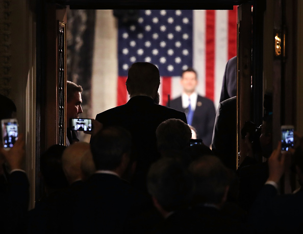 Doorway「Donald Trump Delivers Address To Joint Session Of Congress」:写真・画像(12)[壁紙.com]