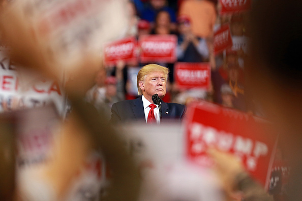Bestpix「President Donald Trump Holds Campaign Rally In Shreveport, Louisiana」:写真・画像(9)[壁紙.com]