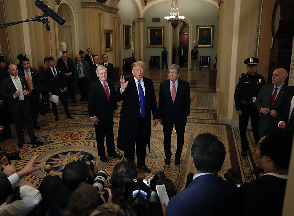 Topix「President Donald Trump Joins Senate Republicans For Their Weekly Policy Luncheon」:写真・画像(18)[壁紙.com]