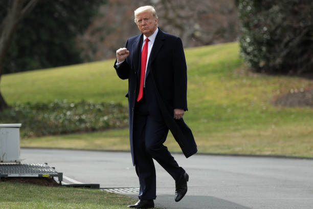 President Trump Departs White House For Midwest Trip:ニュース(壁紙.com)