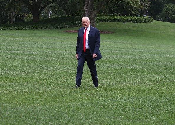 全身「President Trump Arrives Back To White House From New Jersey」:写真・画像(19)[壁紙.com]