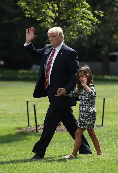 US President「President Trump Departs White House For Camp David」:写真・画像(4)[壁紙.com]
