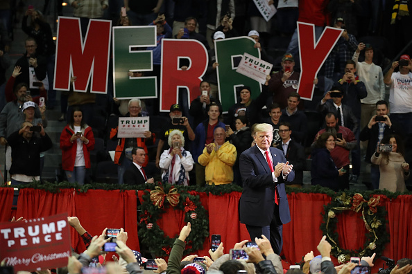 Joe Raedle「President Trump Holds A Rally In Pensacola, Florida」:写真・画像(16)[壁紙.com]