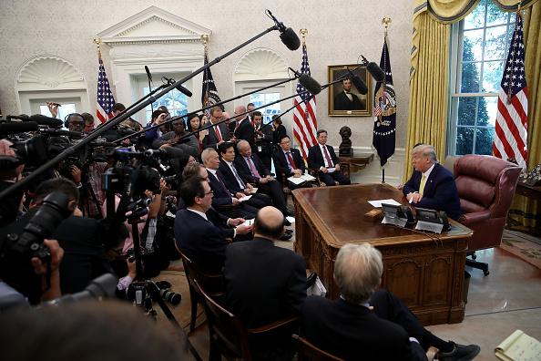 Trader「President Trump Meets With China's Vice Premier  Amid Trade Talks In Washington」:写真・画像(6)[壁紙.com]