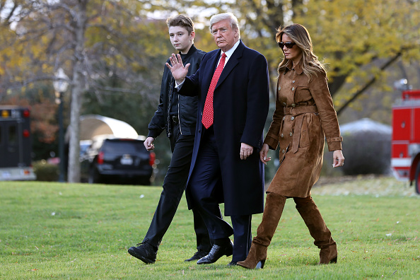 Family「President Trump And First Lady Melania Depart White House En Route To Florida」:写真・画像(18)[壁紙.com]
