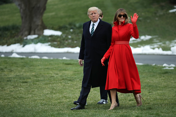 全身「President Trump, First Lady, And Son Barron Depart White House En Route To Mar-a-Lago For Weekend」:写真・画像(19)[壁紙.com]