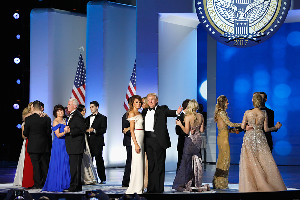 Aaron P「President Donald Trump Attends Inauguration Freedom Ball」:写真・画像(12)[壁紙.com]