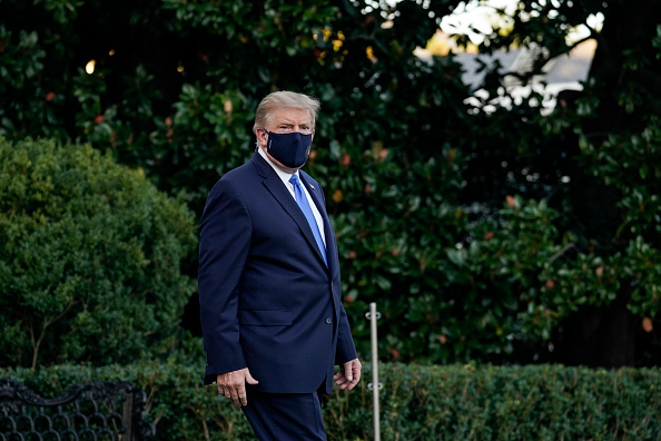 Infectious Disease「Trump Departs White House For Walter Reed Medical Center After COVID-19 Diagnosis」:写真・画像(6)[壁紙.com]