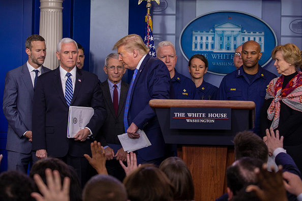 Press Conference「President Trump Joins Coronavirus Task Force Press Conference At White House」:写真・画像(6)[壁紙.com]