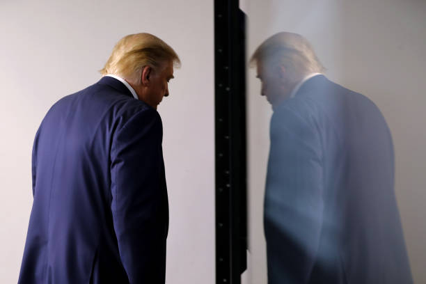 President Donald Trump Holds White House Press Briefing:ニュース(壁紙.com)