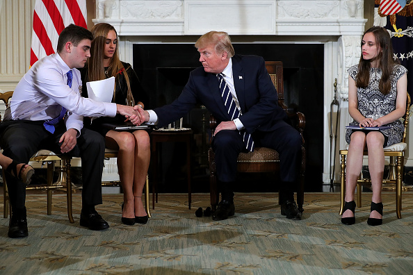 Florida - US State「Trump Holds Listening Session With Students And Teachers On Mass Shootings」:写真・画像(13)[壁紙.com]