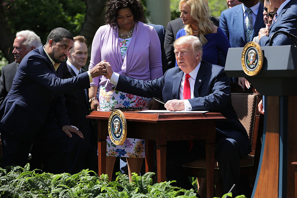 Holiday - Event「President Trump Attends National Day Of Prayer Event In The Rose Garden」:写真・画像(12)[壁紙.com]
