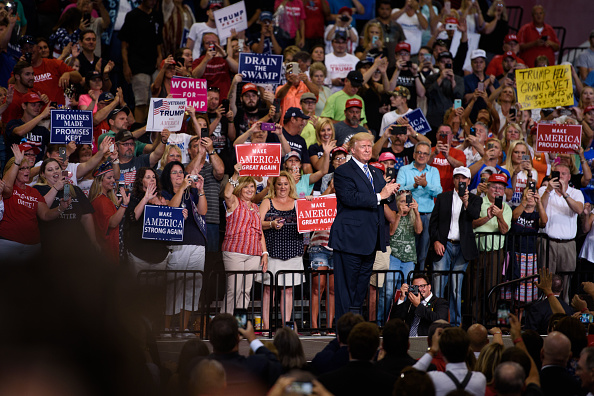 Huntington - West Virginia「President Trump Holds Rally In Huntington, West Virginia」:写真・画像(14)[壁紙.com]