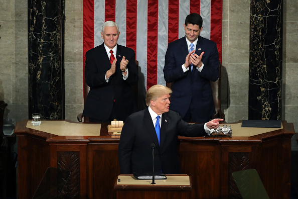 Pointing「President Trump Addresses The Nation In His First State Of The Union Address To Joint Session Of  Congress」:写真・画像(4)[壁紙.com]