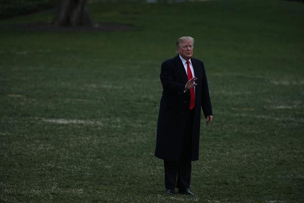 男「President Trump Arrives Back At The White House From Palm Beach, Florida」:写真・画像(5)[壁紙.com]