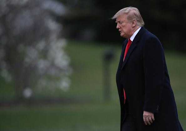 男「President Trump Arrives Back At The White House From Palm Beach, Florida」:写真・画像(2)[壁紙.com]