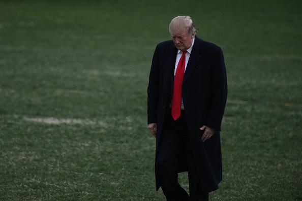 男「President Trump Arrives Back At The White House From Palm Beach, Florida」:写真・画像(4)[壁紙.com]