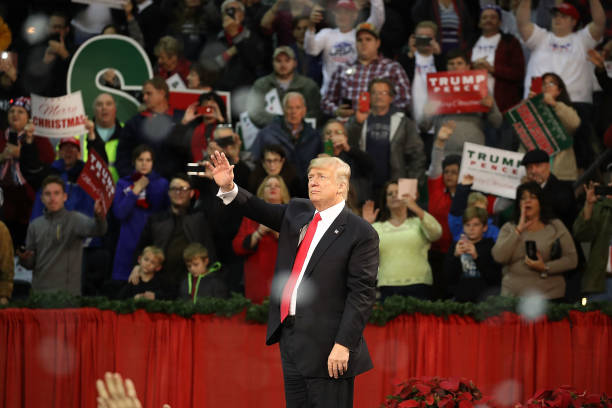 President Trump Holds A Rally In Pensacola, Florida:ニュース(壁紙.com)