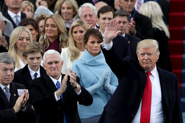 Inauguration Into Office「Donald Trump Is Sworn In As 45th President Of The United States」:写真・画像(18)[壁紙.com]