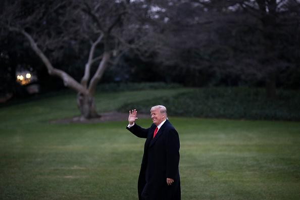 笑顔「President And Mrs Trump Depart The White House For Florida」:写真・画像(4)[壁紙.com]