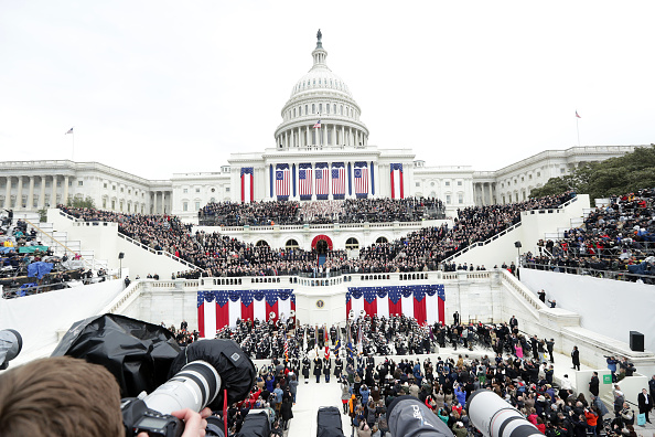 Capitol Hill「Donald Trump Is Sworn In As 45th President Of The United States」:写真・画像(1)[壁紙.com]