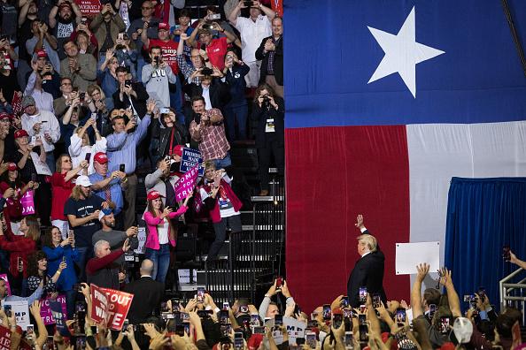 US President「President Trump Holds Rally In Houston, Texas」:写真・画像(17)[壁紙.com]