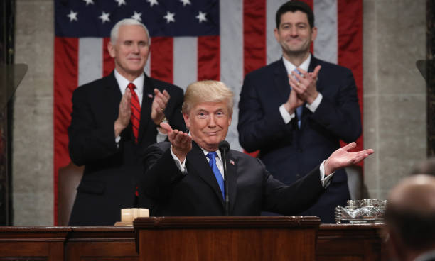 Win McNamee「President Trump Addresses The Nation In His First State Of The Union Address To Joint Session Of  Congress」:写真・画像(6)[壁紙.com]