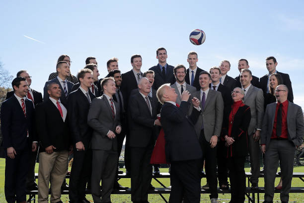 Chip Somodevilla「President Trump Hosts NCAA National Championship Teams To The White House」:写真・画像(3)[壁紙.com]