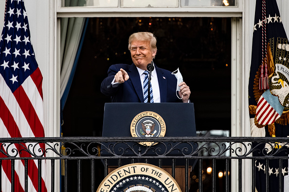 Speech「President Trump Delivers Speech To Supporters From White House Balcony」:写真・画像(11)[壁紙.com]